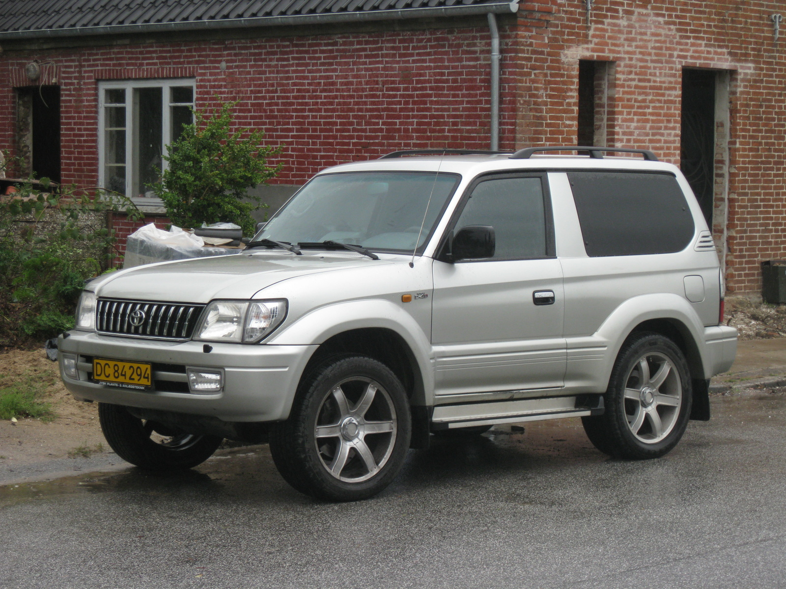 2002 Toyota Land Cruiser #10