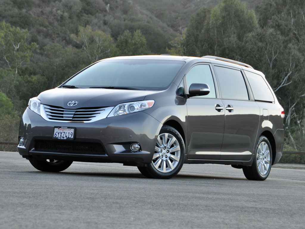 2014 toyota sienna photos informations articles. Black Bedroom Furniture Sets. Home Design Ideas