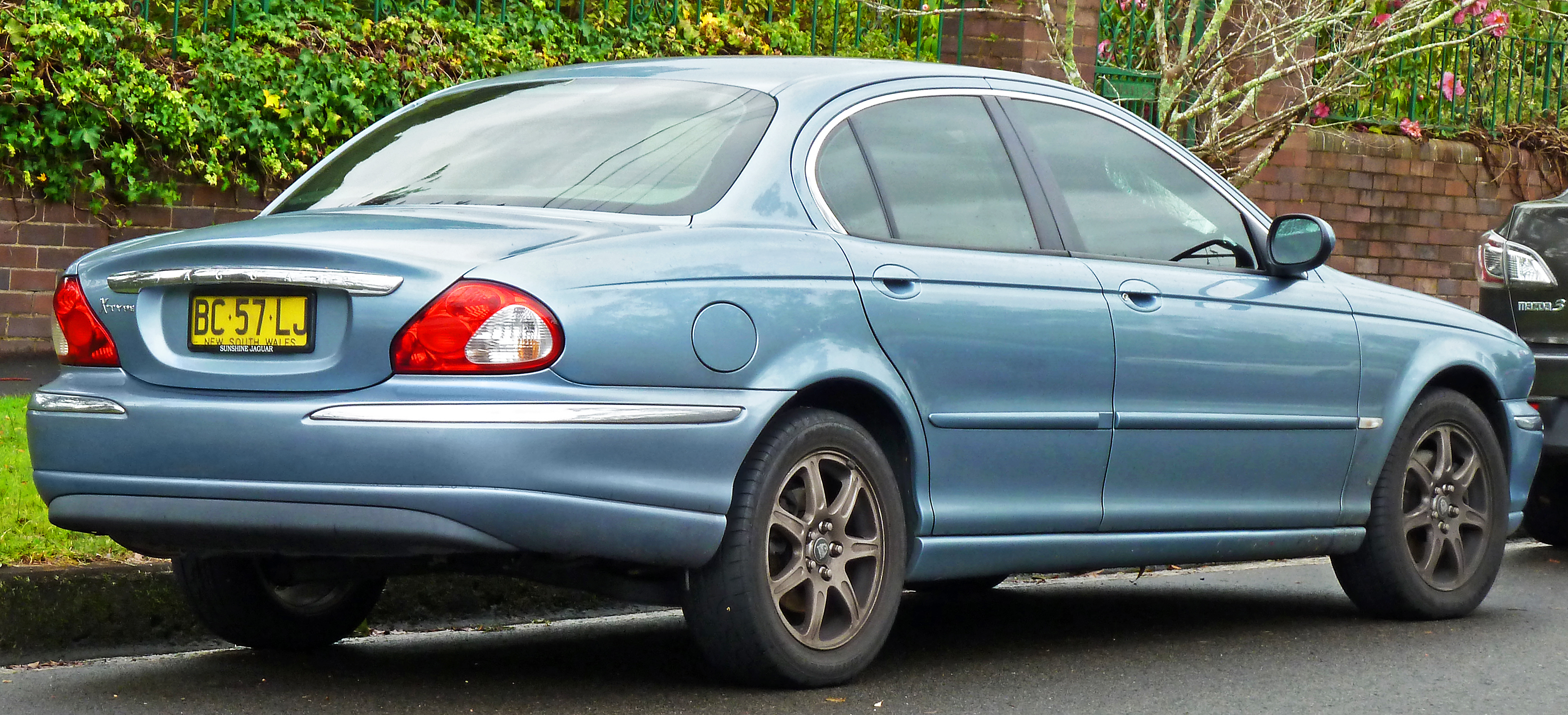 2006 Jaguar X-type #13