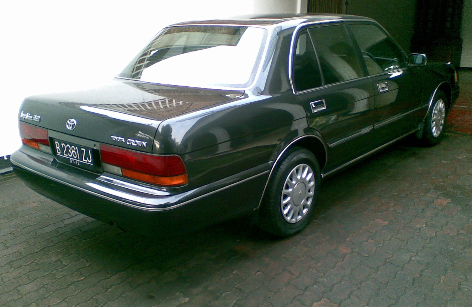 1997 Toyota Crown #8