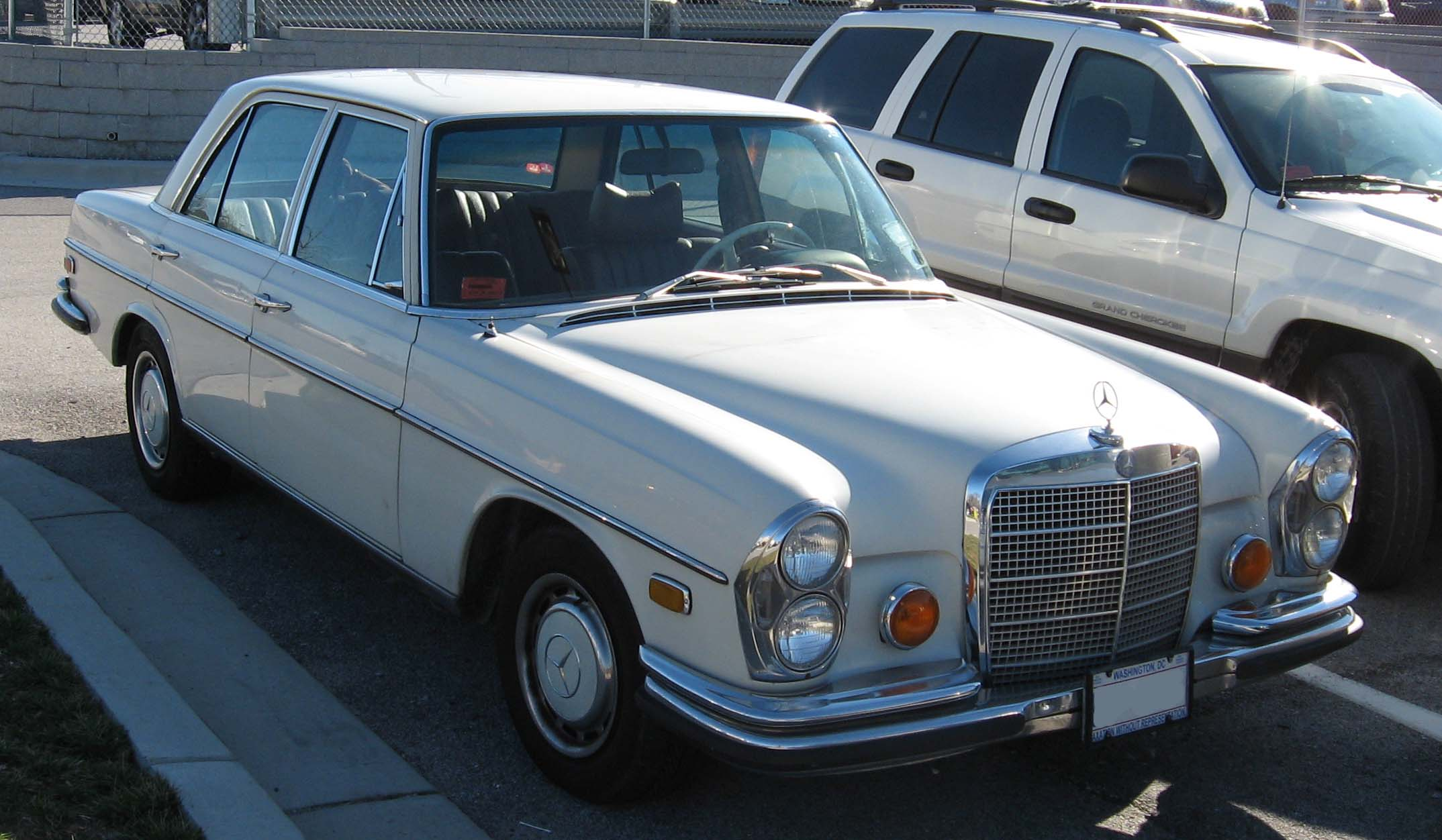 1974 Mercedes Benz 280 Photos Informations Articles Bmw 2002 Engine Diagram 13