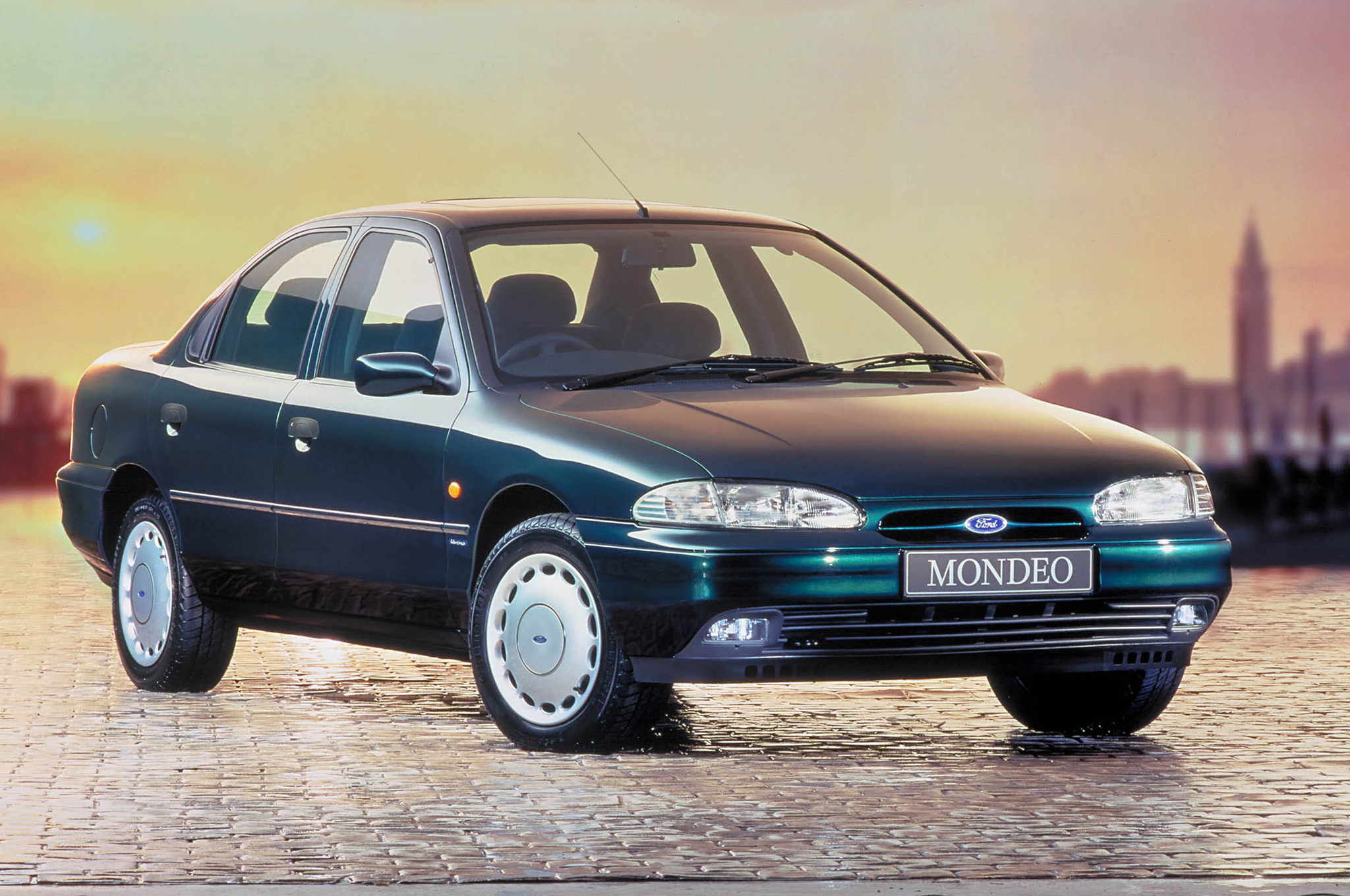 1995 ford mondeo photos informations articles. Black Bedroom Furniture Sets. Home Design Ideas
