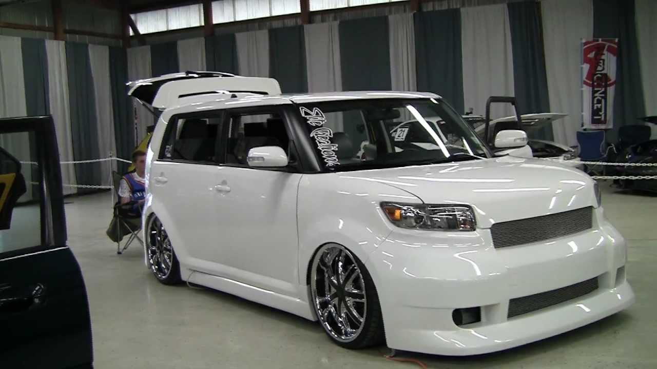 2011 Scion Xb #17