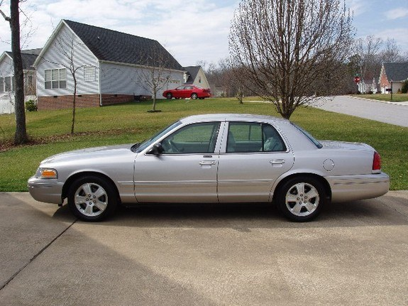 2004 Ford Crown Victoria #11