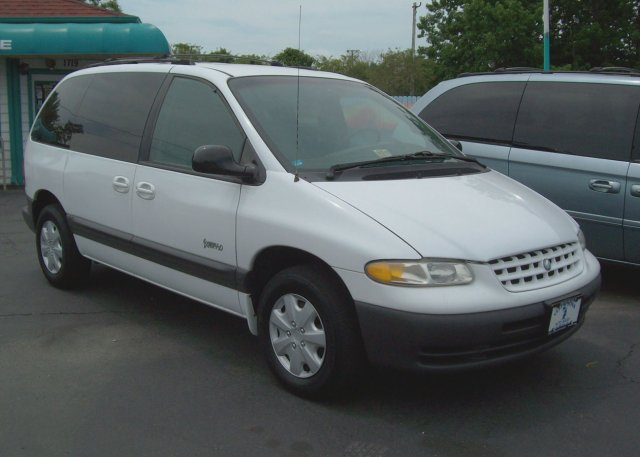 1998 Plymouth Voyager #6