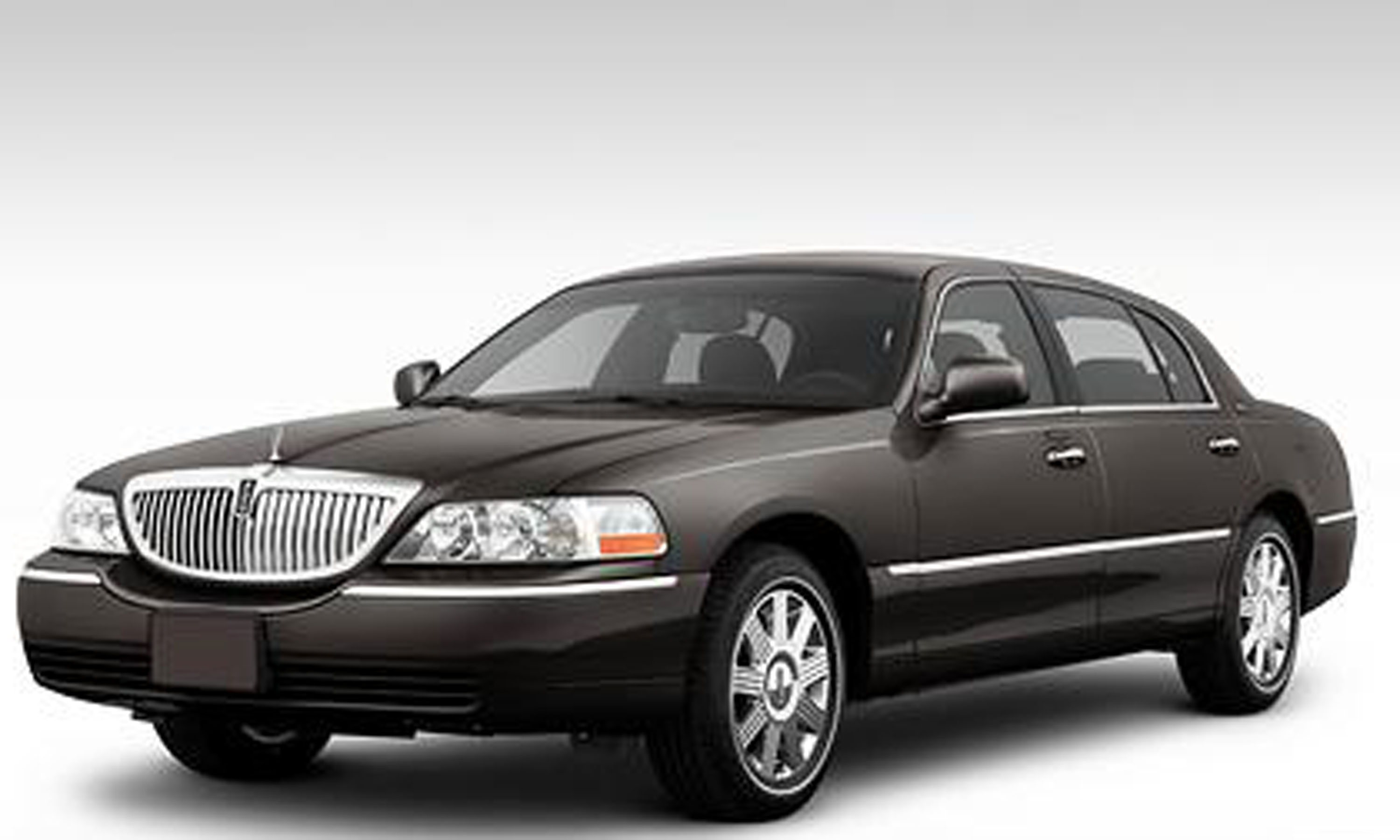 2011 Lincoln Town Car Photos, Informations, Articles