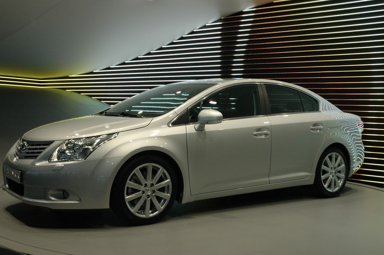 2009 toyota avensis photos informations articles. Black Bedroom Furniture Sets. Home Design Ideas