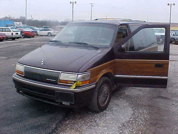 1992 Chrysler Town And Country #3