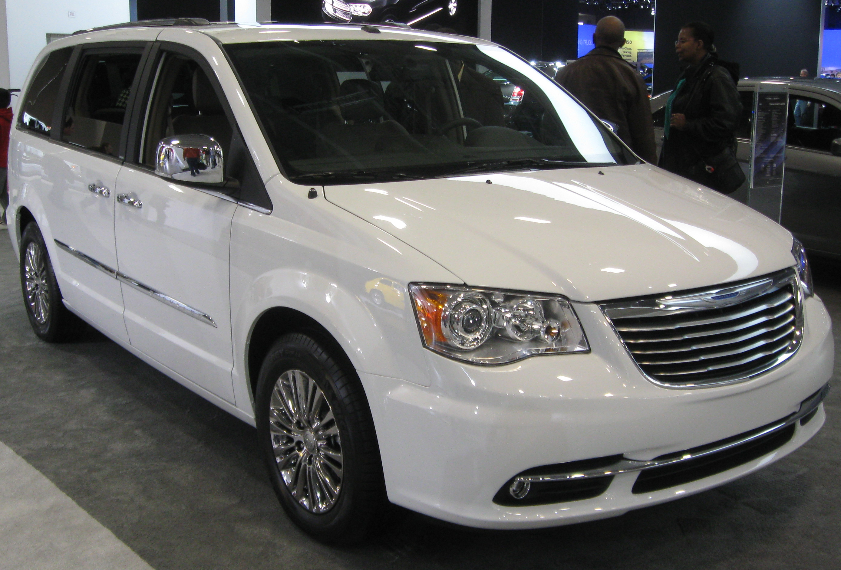 2011 Chrysler Town And Country #12