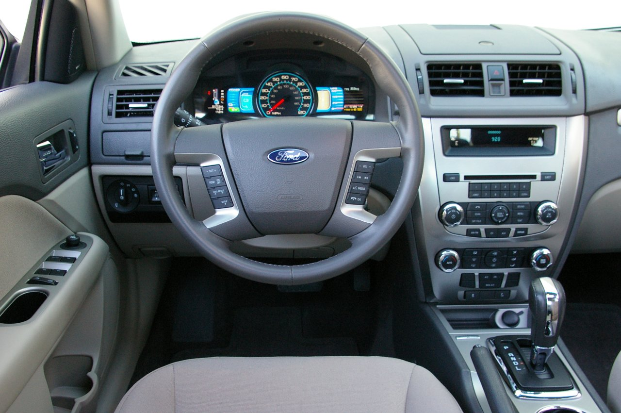 2010 Ford Fusion #10