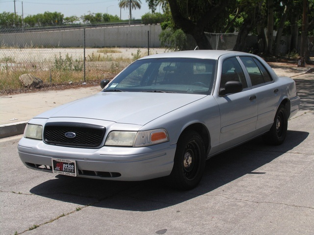 2002 Ford Crown Victoria #11