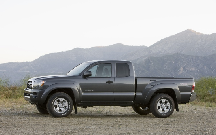 2011 toyota tacoma photos informations articles. Black Bedroom Furniture Sets. Home Design Ideas