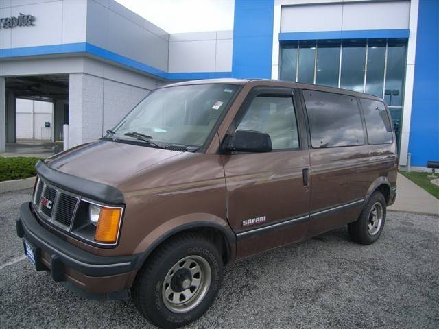 1994 GMC Safari #3