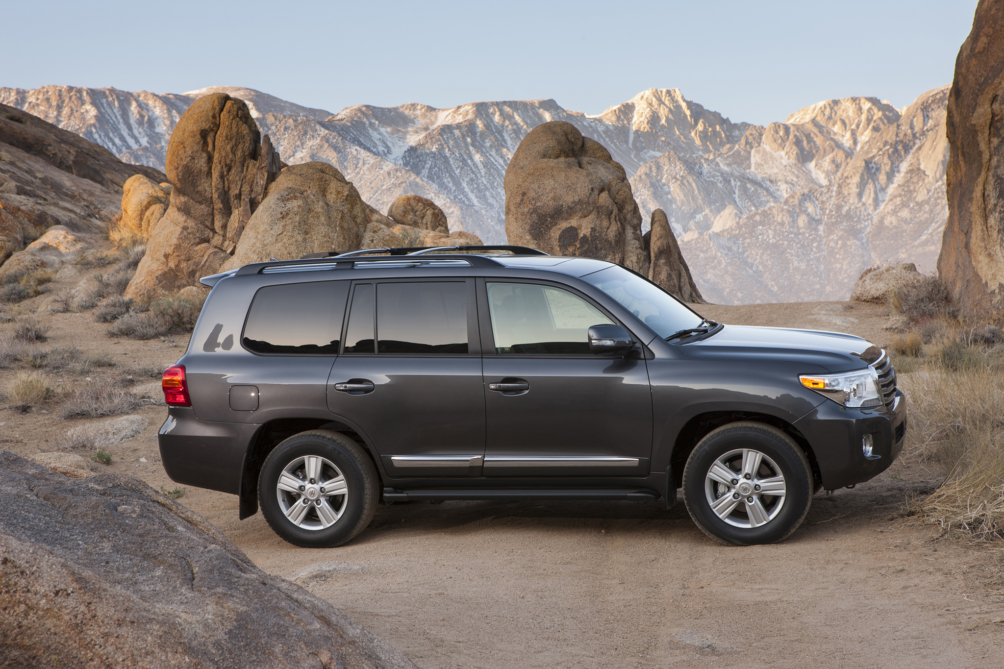 2014 Toyota Land Cruiser Photos Informations Articles 300 2015 7