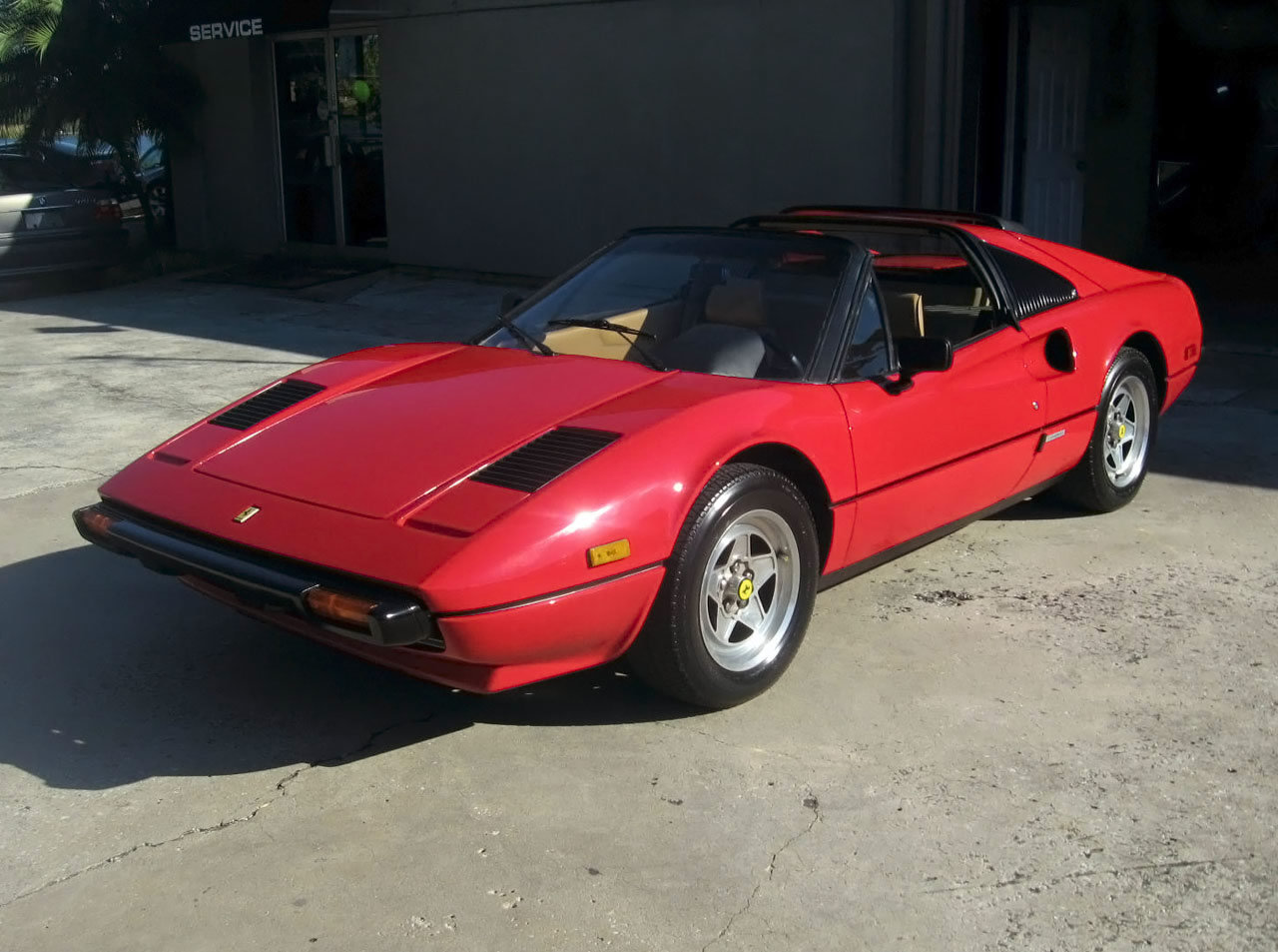 1980 ferrari 308 photos informations articles. Black Bedroom Furniture Sets. Home Design Ideas