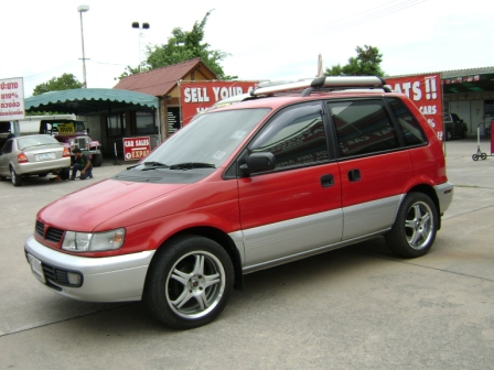 1997 Mitsubishi Space Runner #2