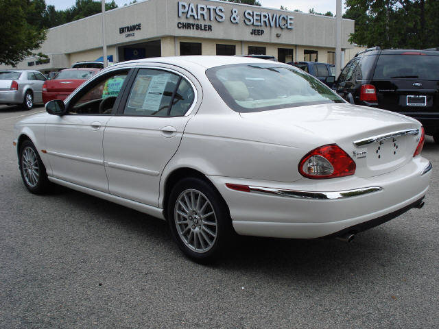 2007 Jaguar X-type #17