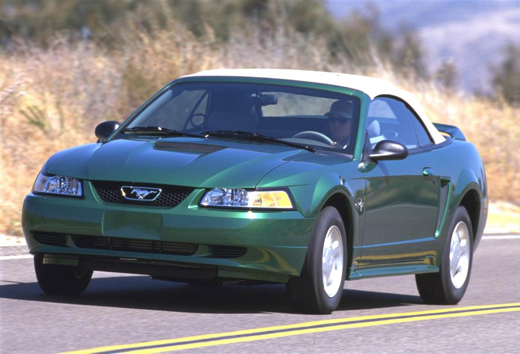 2000 Ford Mustang #9