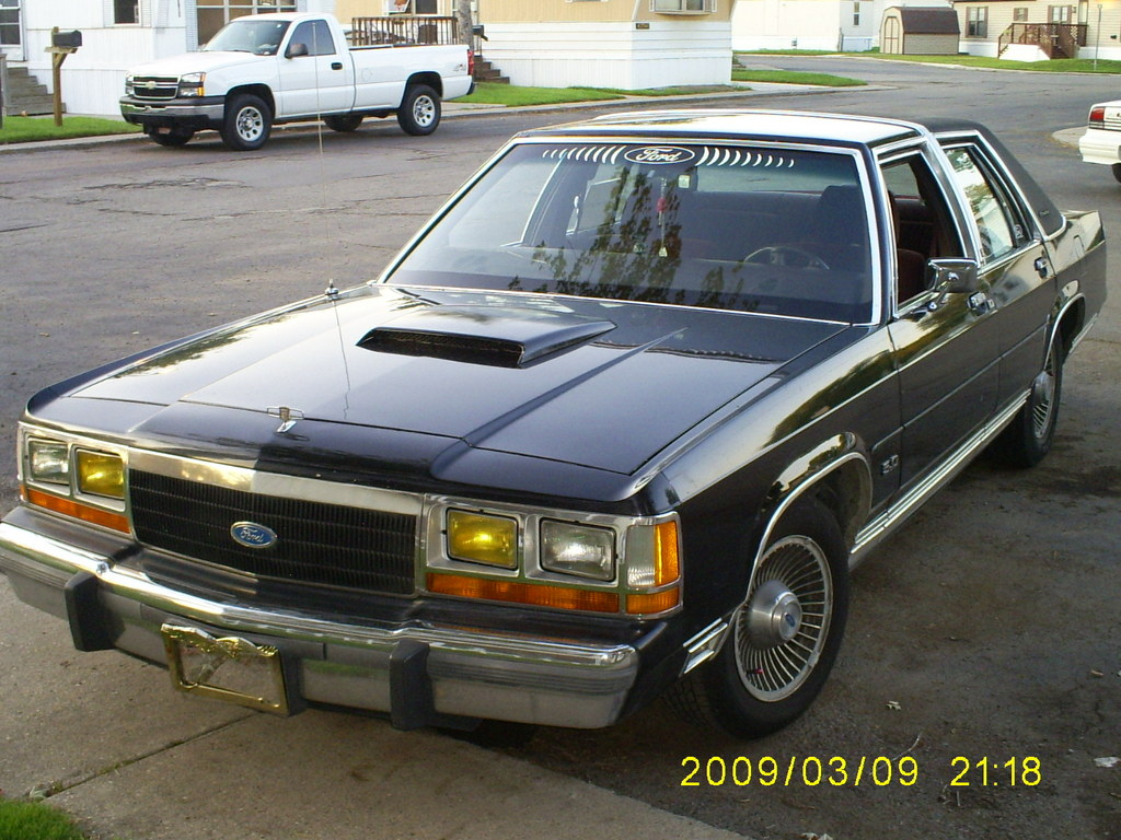 Ford Ltd Crown Victoria #18
