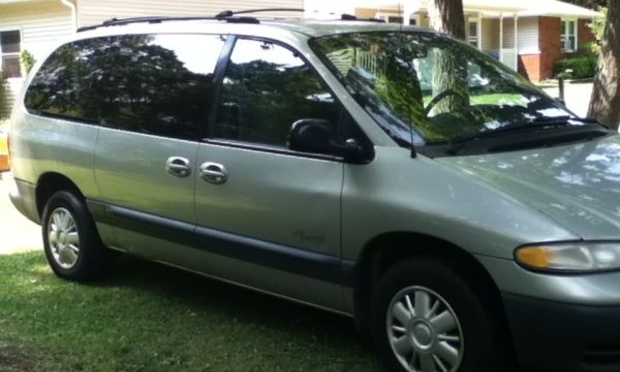 1999 Plymouth Grand Voyager #8