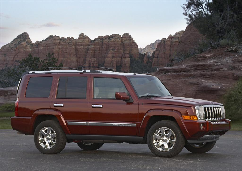 2009 Jeep Commander #4