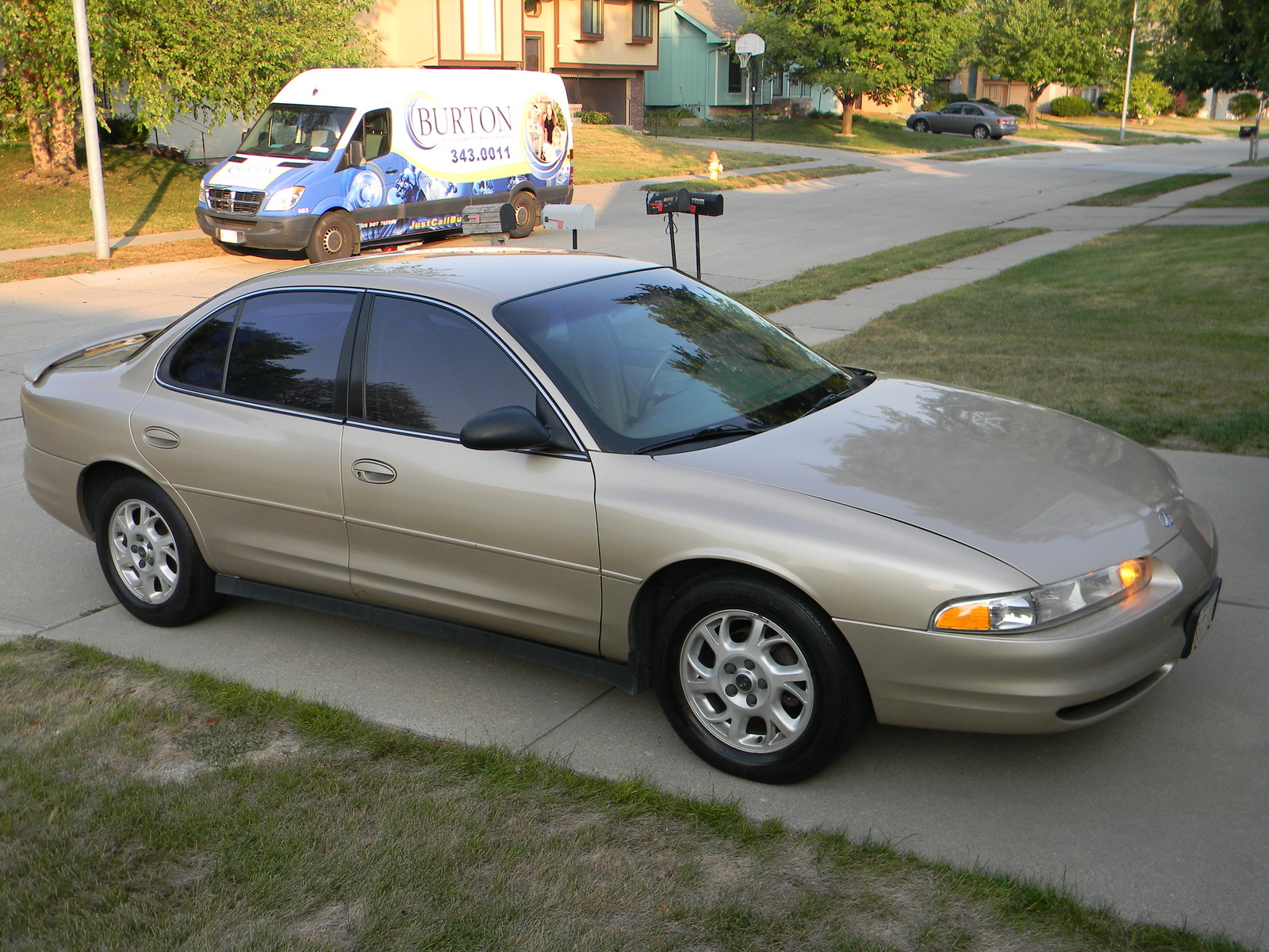 2002 Oldsmobile Intrigue #9