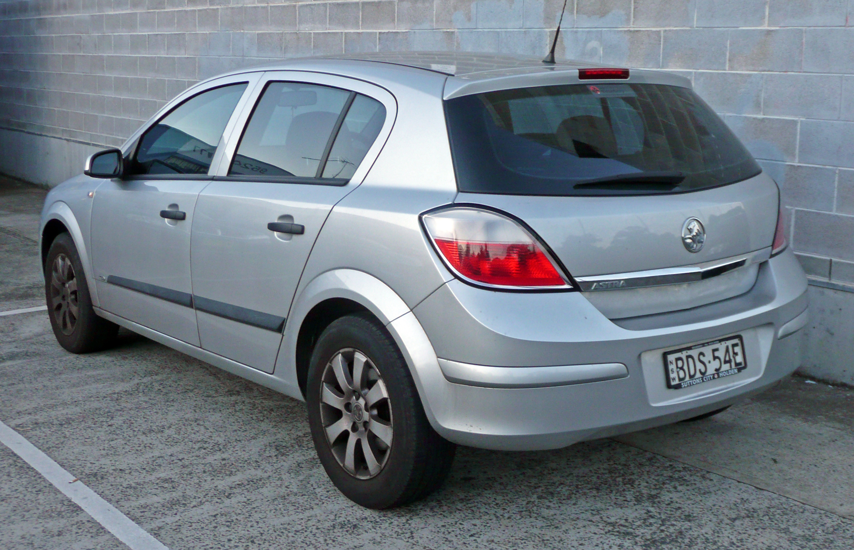2004 Holden Astra Photos Informations Articles