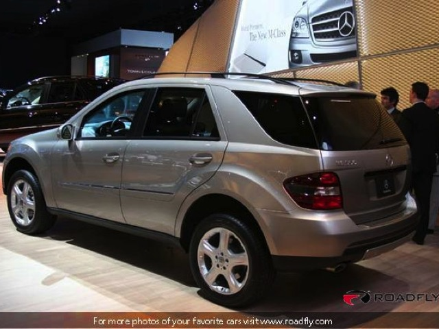 2005 Mercedes-Benz ML #16