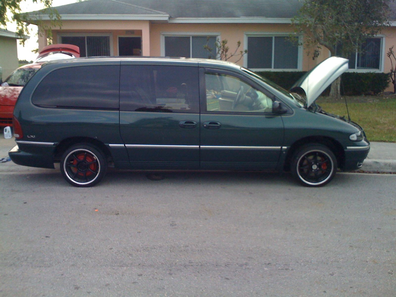 1998 Chrysler Town And Country #10