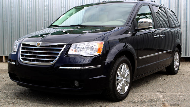 2010 Chrysler Town And Country #2