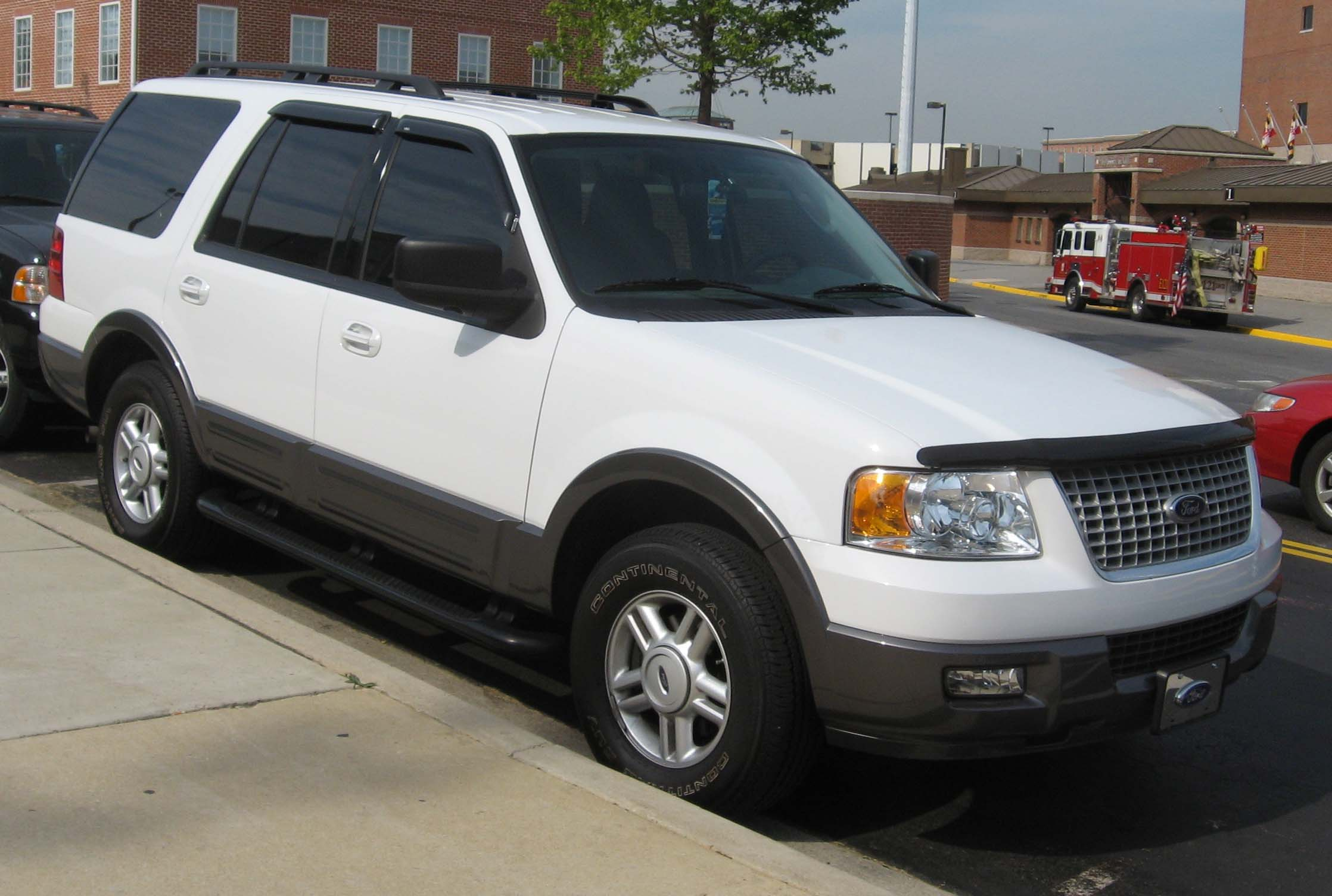 2003 Ford Expedition #3