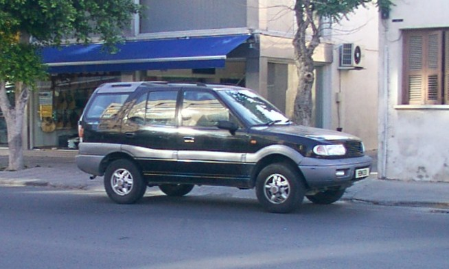 1998 Tata Safari #15