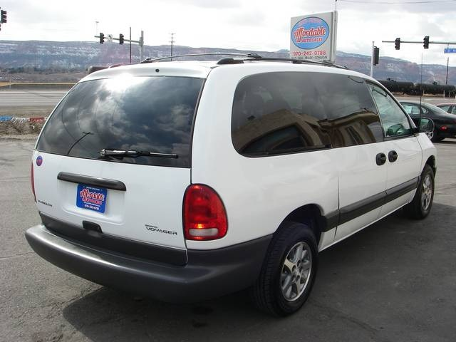 1996 Plymouth Grand Voyager #2