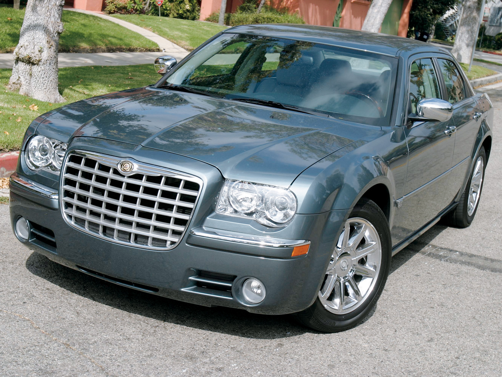 2005 Chrysler 300 #2
