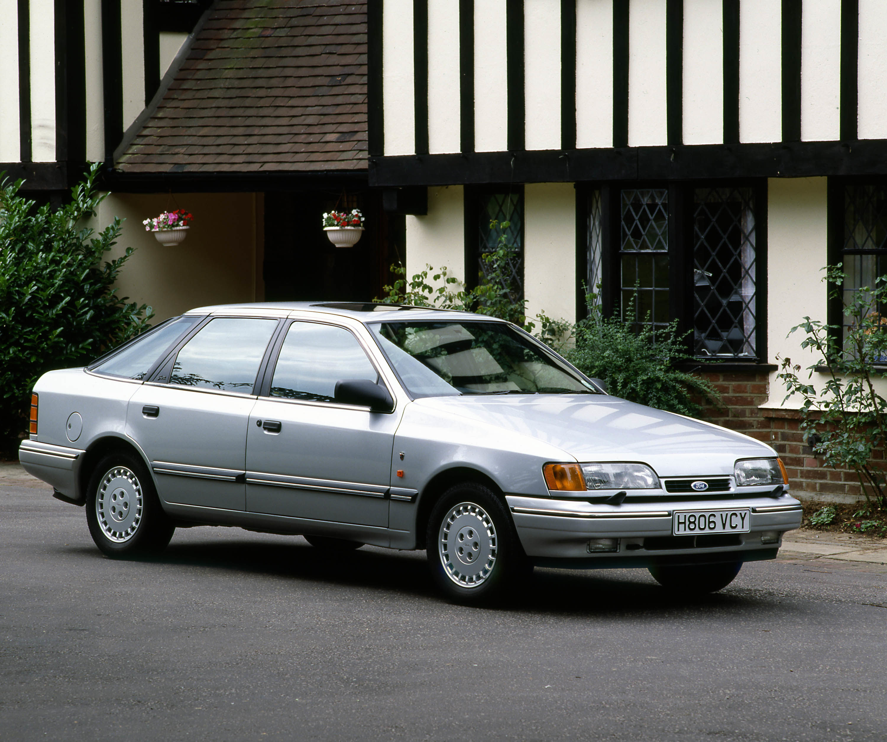 1990 Ford Scorpio Photos, Informations, Articles ...
