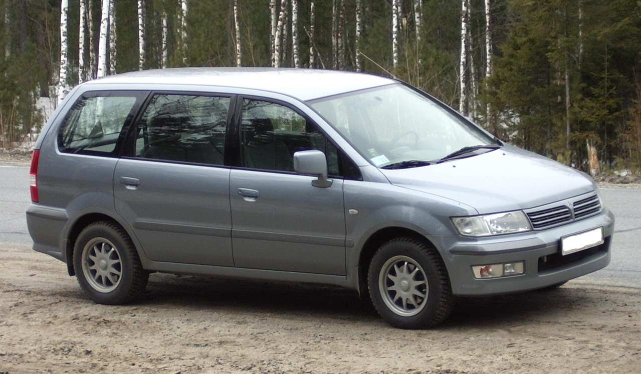 Mitsubishi Space Wagon #9