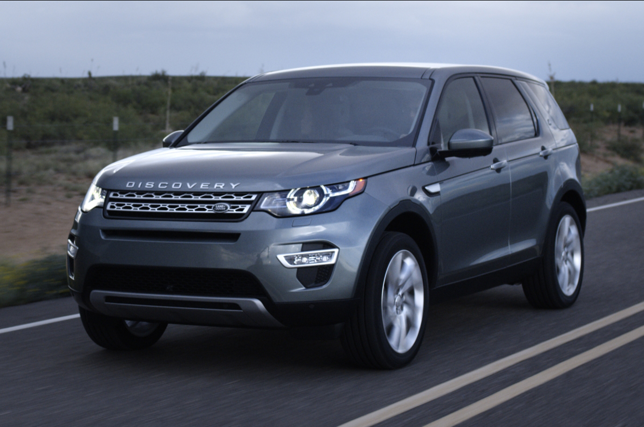 2015 Land Rover Discovery Sport #11