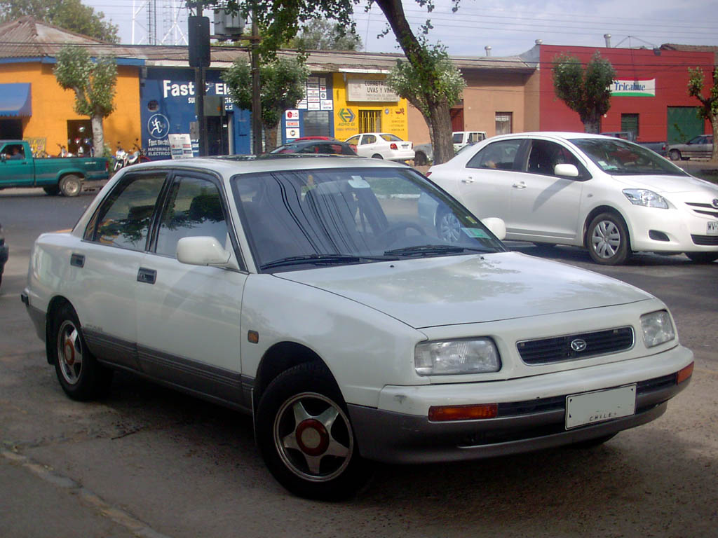 1995 Daihatsu Applause #1