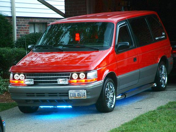 1992 Plymouth Voyager #13