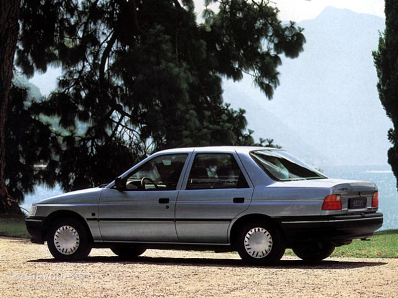 1993 Ford Orion #11
