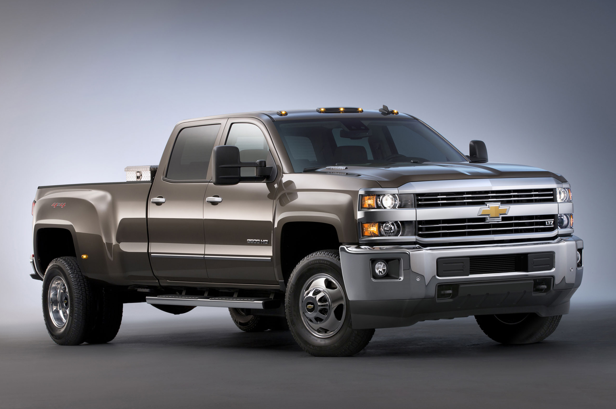 2015 Chevrolet Silverado 3500hd Photos Informations Articles 2006 Kodiak Wiring Diagram Schematic 8