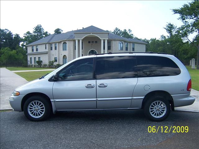 2000 Chrysler Town And Country #10