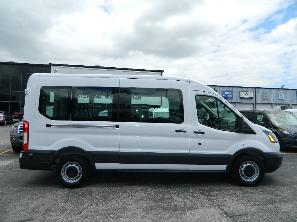 ford transit wagon photos informations articles. Black Bedroom Furniture Sets. Home Design Ideas