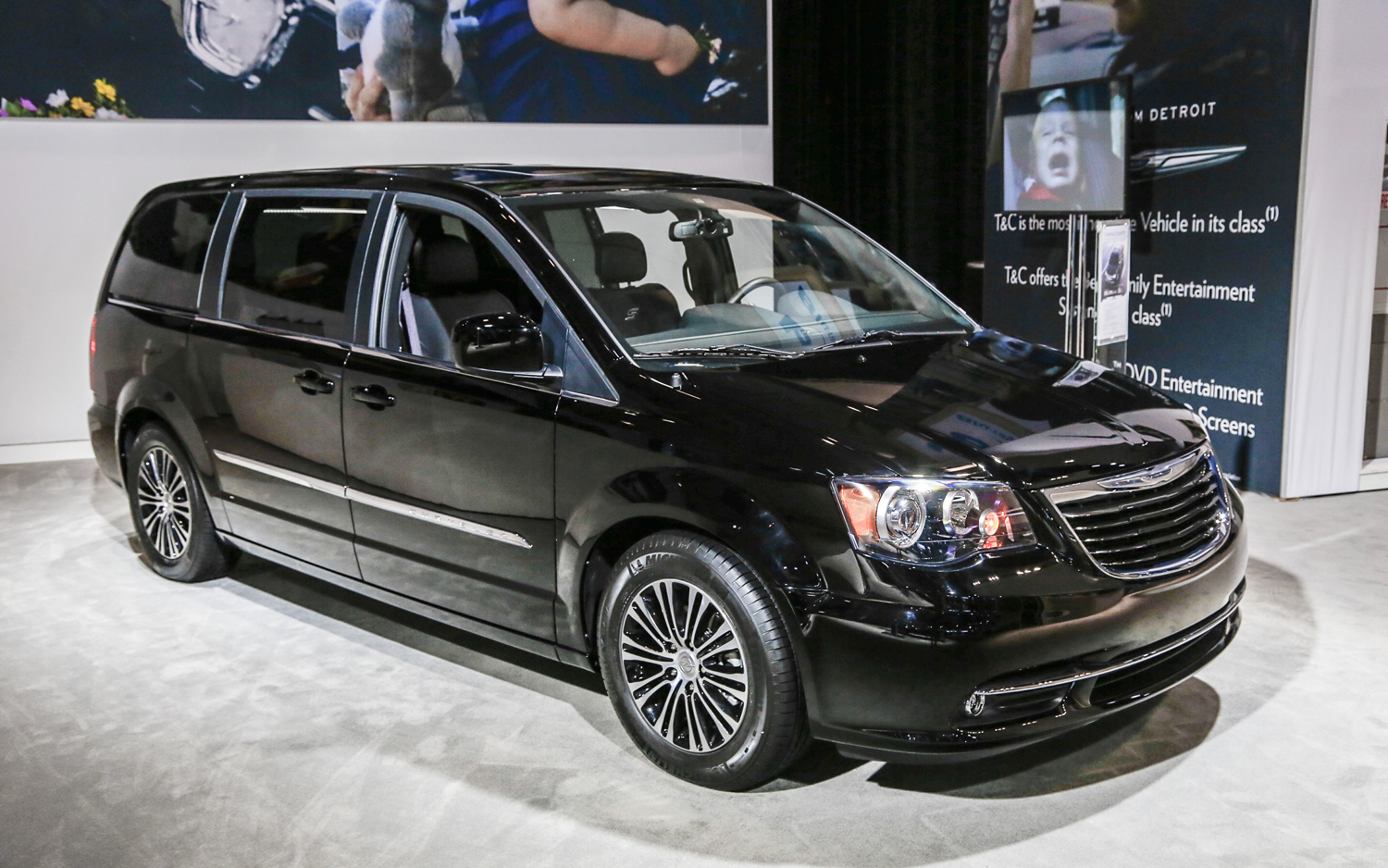2014 Chrysler Town And Country #14
