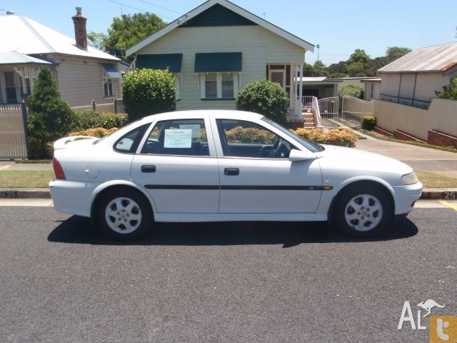 2000 Holden Vectra #11