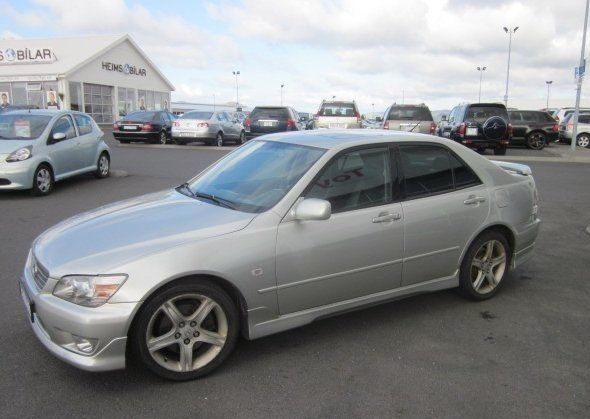 2000 Lexus IS #13