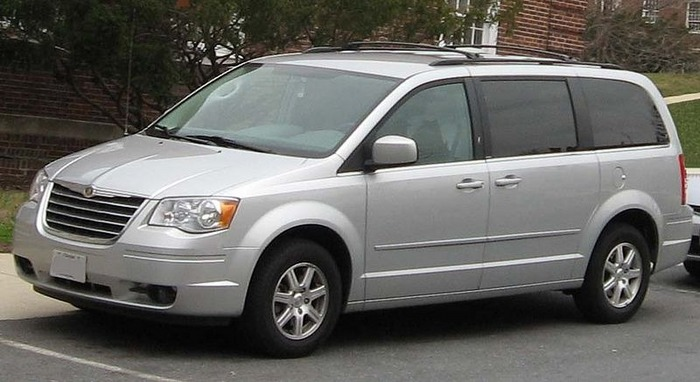 2011 Chrysler Town And Country #11