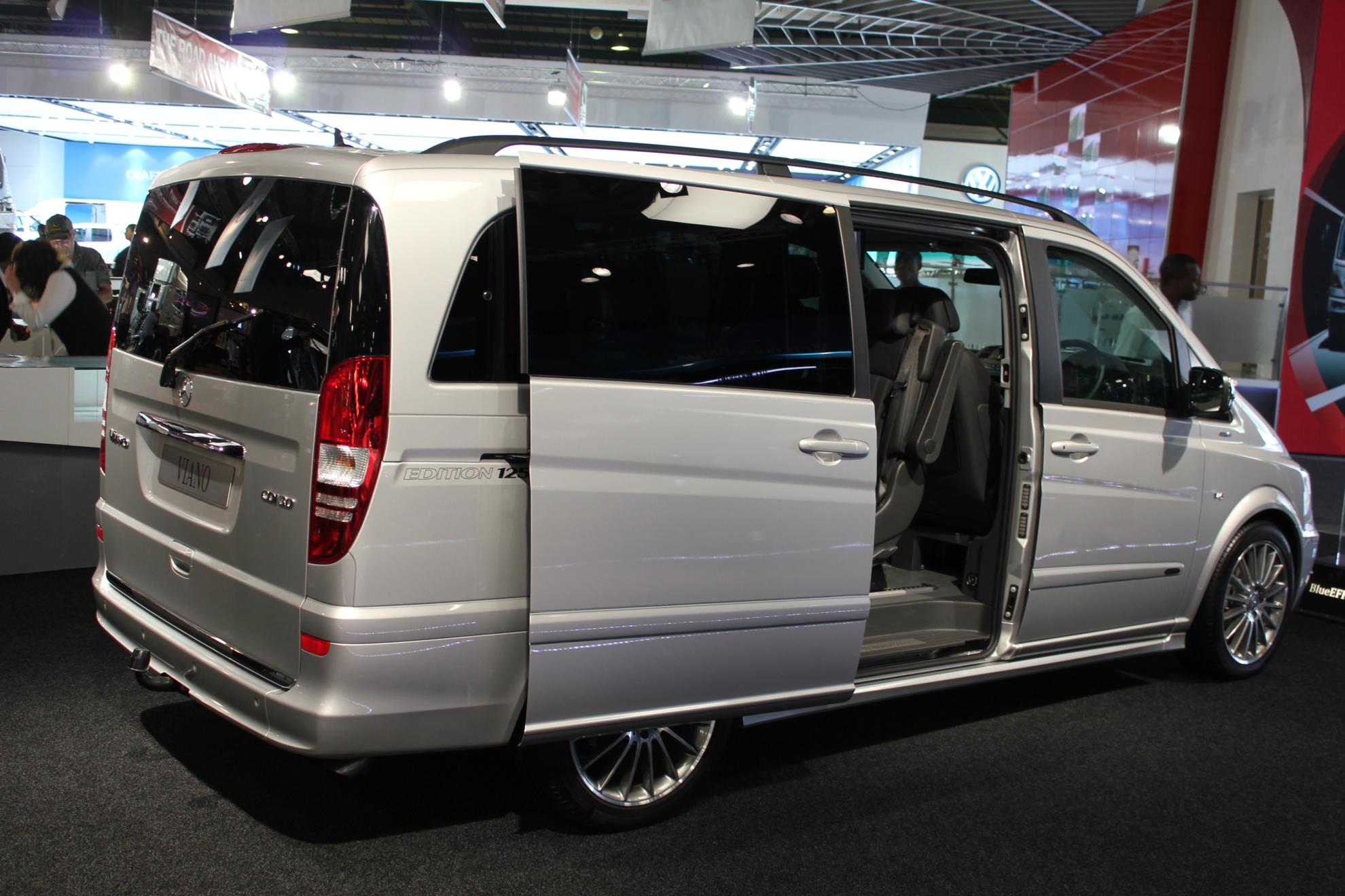 Mercedes-Benz Viano #16