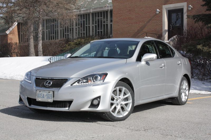 2012 Lexus IS #9