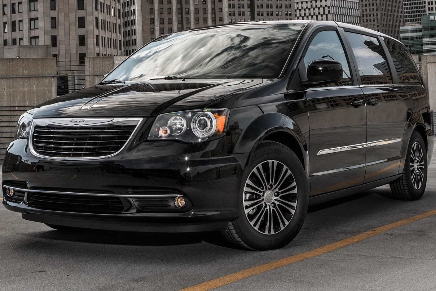 2013 Chrysler Town And Country #14